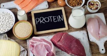 K čemu jsou bílkoviny dobré? Potřebují je všichni, včetně starších lidí a sportovců